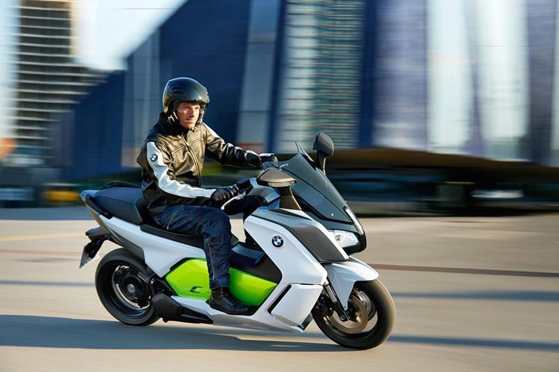 Новый электроскутер BMW C Evolution