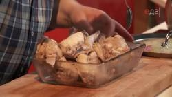 Крольчатина под сладким соусом с картофелем и яблоками (2013) IPTVRip