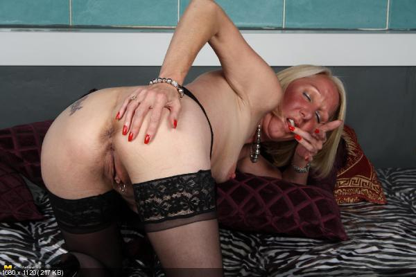 Rich milfs getting pounded