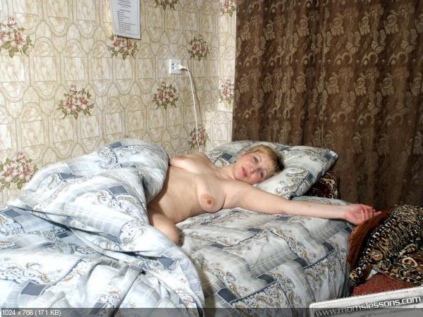 фото пожилой голой жены в постели сложно людей